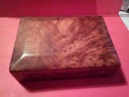ANCIENNE JOLIE BOITE EN BOIS En RONCE DE NOYER - Boxes