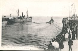 N°68072 -cpa Le Havre  Cargo Boat Et La Jetée- - Commerce