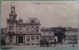 Meulan - L'Hôtel De Ville - La Halle Et Les Postes - Meulan