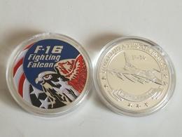 Medalla Avión F-16 Falcon. Estados Unidos De América. Air Force - Estados Unidos