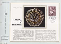= Cathédrale De Strasbourg 23.1.71 N°1654 Encart Perforé 1er Jour - Storia Postale