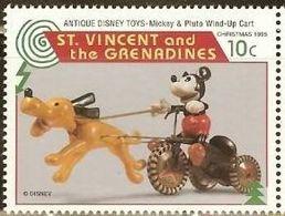 San Vicente & Grenadines 1995 Scott 2650 ** Walt Disney Mickey Mouse Toys  10c Selos марки Сан - Висенте Frimärken - Disney