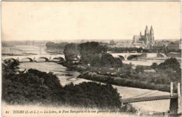 5II 246 CPA - TOURS - LA LOIRE - LE PONT BONAPARTE ET LA VUE GENERALE - Tours