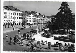 Belluno. Piazza Dei Martiri. Auto, Car, Voitures. Vespa, Lambretta, Distributore Esso. - Belluno