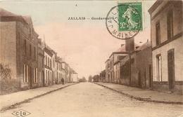 49 -  JALLAIS -  La Gendarmerie - Colorisée  132 - Otros Municipios