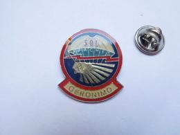 Beau Pin's , Armée Militaire USA , 501e Apaches , Géronimo , Parachutisme , - Armee