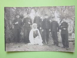 Militaires Debout Uniformes, Képis - CPA Carte Photo Guerre 14-18 - Guerre, Militaire