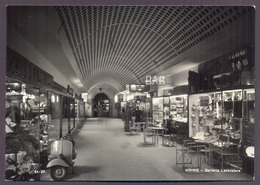UDINE, Galleria Lavoratore - Vespa Piaggio Modello Faro Basso - Viaggiata 1955 - Udine