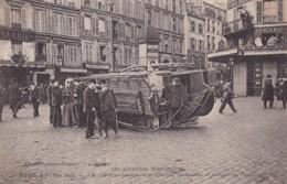 75009 / PARIS / LES JOURNEES HISTORIQUES 1er MAI 1906 / RUE FONTAINE / COMMENCEMENT D EMEUTE OMNIBUS RENVERSE - Arrondissement: 09