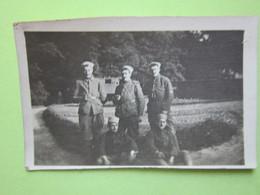 3 Soldats, Militaires Debout - CPA Carte Photo - Guerre, Militaire