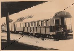 Photo Congo Afrique Chemins De Fer Train Voiture De Service En Gare De Kindu Série 200 - Afrika