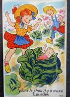 """Carte Humour à Système 65 Hautes Pyrennées """"Dans Le Chou Il Y A Aussi Lourdes"""" Jardinier Arrosoir - Gruss Aus.../ Gruesse Aus..."""