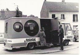 78  VELIZY    EN  1981    CAMION  D  INFORMATION TELETEL  3V - Velizy