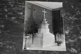4403   SOEURS DE LA CHARITÉ DE NAMUR, MONUMENT DE M. BOURTONBOURT, FONDATRICE - Namen