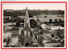 23174   CPM  TRIE Sur BAISE  : Vue Aérienne !  Eglise Et Place De L' Eglise ! Superbe Carte Photo   !! - Andere Gemeenten