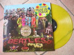 """33 Tours 30 Cm - THE BEATLES   - PARLOPHONE DC 1  """" Sgt. PEPPERS LONELY HEARTS """" + 12 ( Disque COULEUR JAUNE ) - Vinylplaten"""