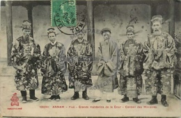 /!\ 8531 - CPA/CPSM - Asie  : Annam : Hué : Grands Mandarins De La Cour, Conseil Des Ministres - Vietnam