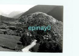 66 - LLO - Village Dans Les Gorges Du Ségre  - PHOTOGRAPHE ROBERT PETIT - ATLAS-PHOTO - Fotos