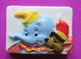 "Feve Plate DISNEY Brillante "" DUMBO ET LA SOURIS "" - Disney"