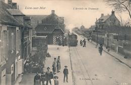 H238 - 14 - LION-SUR-MER - Calvados - L'arrivée Du Tramway - Other Municipalities