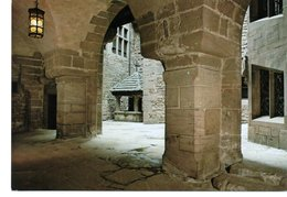CHATEAU DU HAUT-KOENIGSBOURG : Petite Cour Intérieure : à Droite, Tour Et Escalier Baroque, à Gauche, Le Puits - France