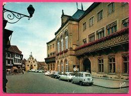 DS - 4L - Obernai - L'Hôtel De Ville Et Son Balcon Fleuri - Citroën - DS - Renault - Animée - YVON - 1972 - Voitures De Tourisme