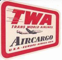 ANTIGUA ETIQUETA DE LA COMPAÑIA AEREA TWA TRANS WORLD AIRLINES (AVION-PLANE) - Etiquetas De Equipaje