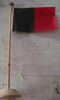 DRAPEAU D'HAITI - SUPPORT EN BOIS - Flags