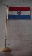 DRAPEAU DU PARAGUAY - SUPPORT EN BOIS - Flags