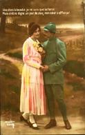 CPA - FRANCE - Militaria > Patriotiques -  Fantaisie - Un Soldat Et Sa Belle - Daté 1917 - TBE - Patriottisch