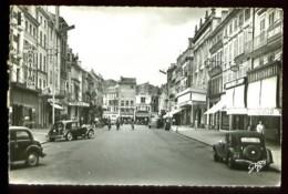 NIORT - 37 : Rue Victor HUGO - (Beau Plan Très Animé Avec Voitures Anciennes) - CPSM - Niort