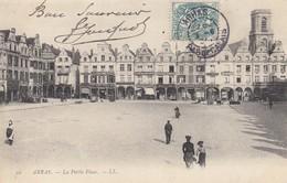 62 - Pas-de-Calais - Arras - La Petite Place Magnifiquement Animée Par Ses Commerces - Arras