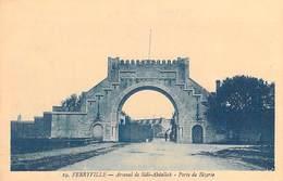 Tunisie - (Menzel Bourguiba) FERRYVILLE Arsenal De Sidi Abdallah Porte De Bizerte  (- Editions :photo Albert )*PRIX FIXE - Túnez