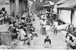 AFRIQUE NOIRE - GABON : Straatje In LAMBARENE - CPSM Photo Format CPA 1959 - Black Africa - Gabon