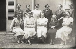 Carte Photo Ancienne : Photos De Femmes De Différentes Générations - Généalogie