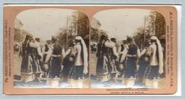 "0711 ""10408 A GROUP OF COUNTRY BELLES, SOFIA, BULGARIA - 1902"" ANIMATA. STEREOSC. ORIG - Cartes Stéréoscopiques"