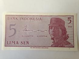 Billete Indonesia. 5 Sen. 1964. Sin Circular. Soldado - Indonesia