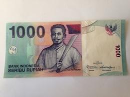 Billete Indonesia. 1000 Rupias. 2013. Sin Circular. Capitán Pattimura, Lago - Indonesia