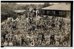Guerre 14-18 Soldats Alliés Prisonniers Kriegsgefangenen Ludwigsburg-Eglosheim Dans La Cour, Soldats Sur La Potence - Guerre 1914-18