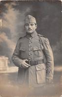 """¤¤  -  QUIMPER   -  Carte-Photo D'un Militaire  -  Photographe """" Villard """"  -  118 Sur Les Cols    -   ¤¤ - Quimper"""
