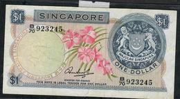 SINGAPORE P1c   1 DOLLAR  1971 W/o Seal   #B/70    VF   NO P.h. - Singapour