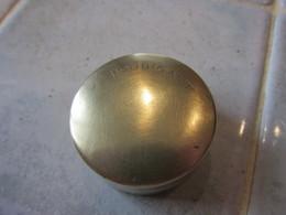 Boite A Poudre Ancienne Houbigant En Laiton - Accessoires