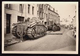 TOP - BEAUMONT - CHARS B1 BIS SABORDES ET ABANDONNES PAR L'ARMEE FRANCAISE DEVANT LA POSTE RUE MADAME LE 16 MAI 1940 - Beaumont