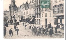 D  17  LA ROCHELLE  UN Depart De Forcats Pour L'Ile De Ré - La Rochelle