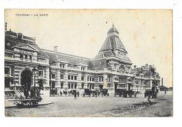 Tournai   La Gare Avec Des Calèches - Tournai