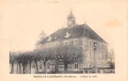 52 - Haute Marne / 10005 - Neuilly L' Evêque - Hôetl De Ville - France