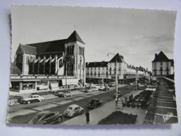 CP (37) Indre Et Loire - La Route Nationale Et L'église Saint-Julien - Tours