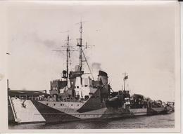 MINENSUCHBOOT IM HAFEN  KRIEGSMARINE FOTO DE PRESSE WW2 WWII WORLD WAR 2 WELTKRIEG Kriegsmarine - Schiffe