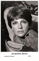 JACQUELINE BISSET - Film Star Pin Up PHOTO POSTCARD- Publisher Swiftsure 2000 (205/1) - Postales