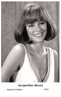 JACQUELINE BISSET - Film Star Pin Up PHOTO POSTCARD- Publisher Swiftsure 2000 (205/2) - Postales